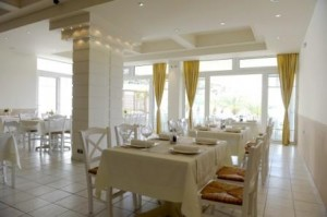 grecia golden milos beach 8