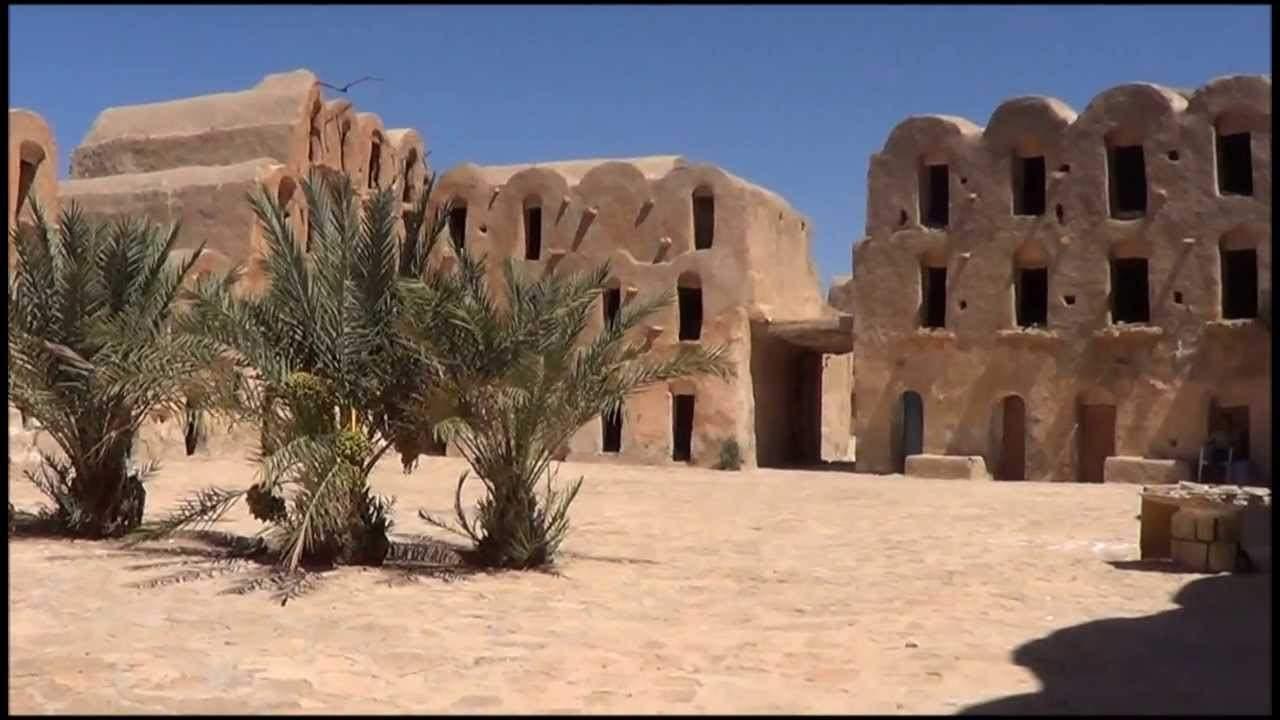 Tunisia tra antichi granai berberi e le dune del deserto